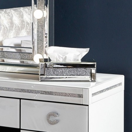 Dekorativ tissue box holder i speilglass og diamanter